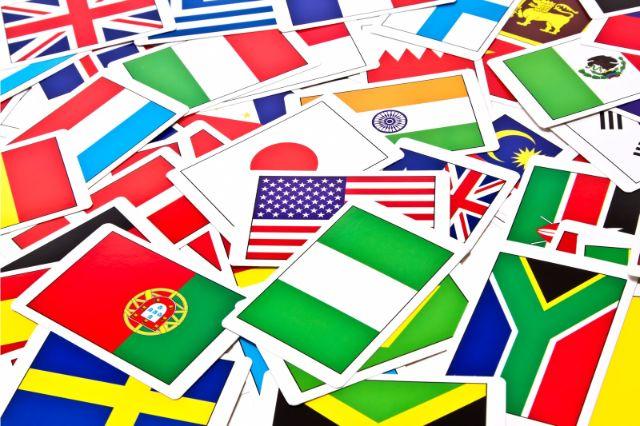 たくさんの国旗のカード